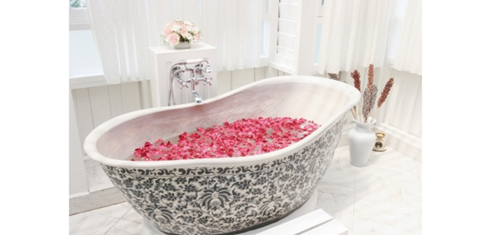 Ванна и цветы