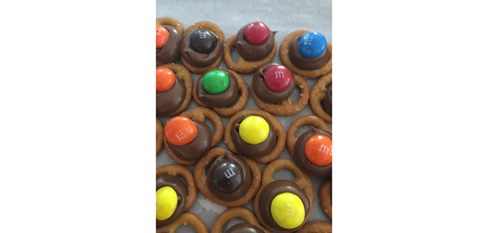 Chocolate Kissed Pretzels