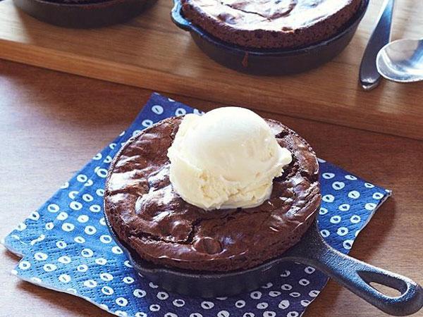 Donatella Arpaia's Dark-Chocolate Skillet Brownie