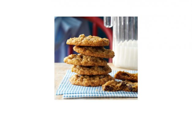 Ooey, Gooey Super Delish Oatmeal Cookie Recipe