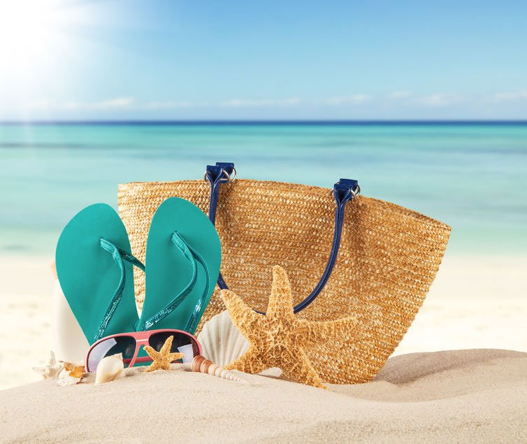 8 Ways to Fill Up Your Beach Bag